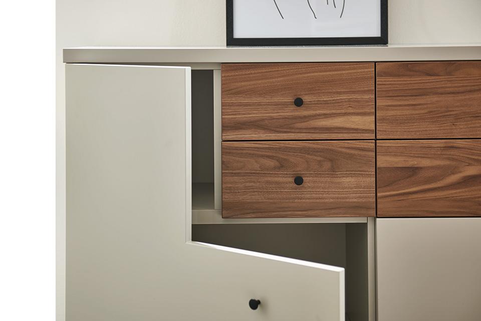 now time h lsta. Black Bedroom Furniture Sets. Home Design Ideas